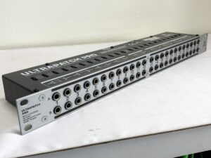 BEHRINGER ベリンガー ULTRAPATCH PRO PX3000