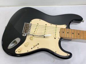 Fender フェンダー Stratocaster ストラトキャスター