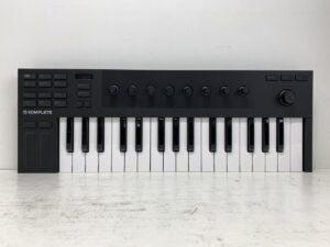 Native Instruments / KOMPLETE KONTROL M32